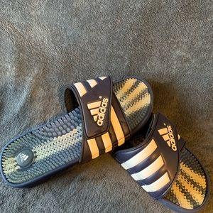 Adidas flip flop